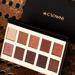 Crown Eyeshadow Palette New Authentic